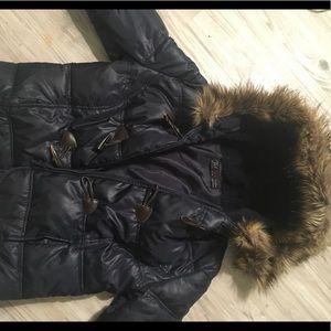 Zara Puffy Navy jacket with brown hooks